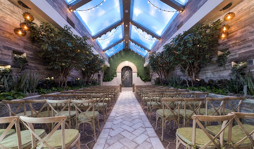 The Chapel of the Flowers Las Vegas - The Glass Gardens | Confetti.co.uk