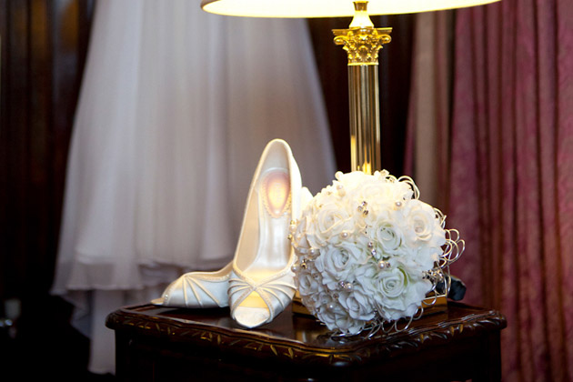 Vintage film star style open-toe bridal shoes