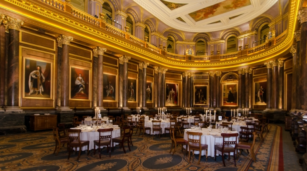 The Livery Hall at the Historic London Wedding Venue Drapers' Hall | Confetti.co.uk