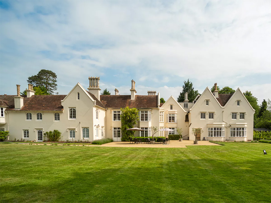 Silchester House BeautifulEnglish Country House and Garden Wedding Venue | Confetti.co.uk