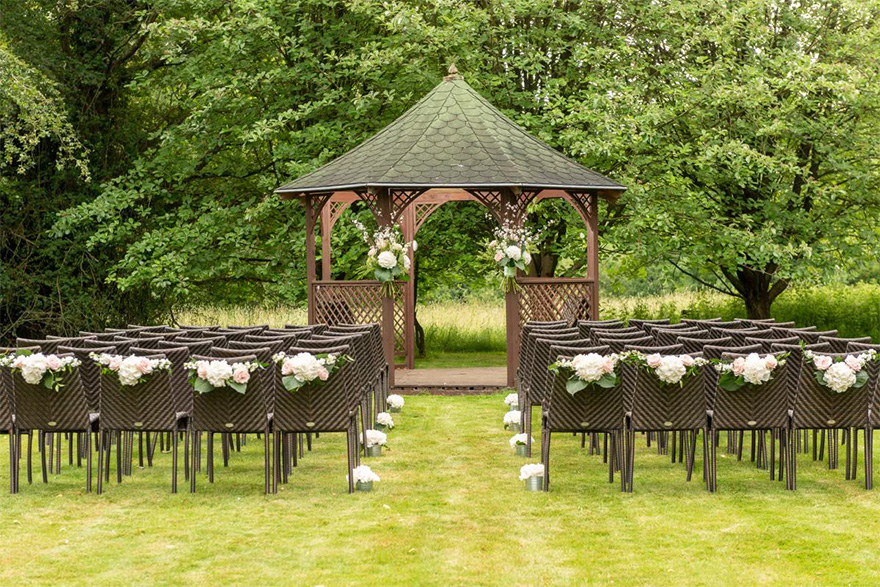Silchester House Country House Wedding Venue in Hampshire - Intimate Outdoor Wedding Ceremony Ideas - Beautiful Outdoor Wedding Gazebo | Confetti.co.uk
