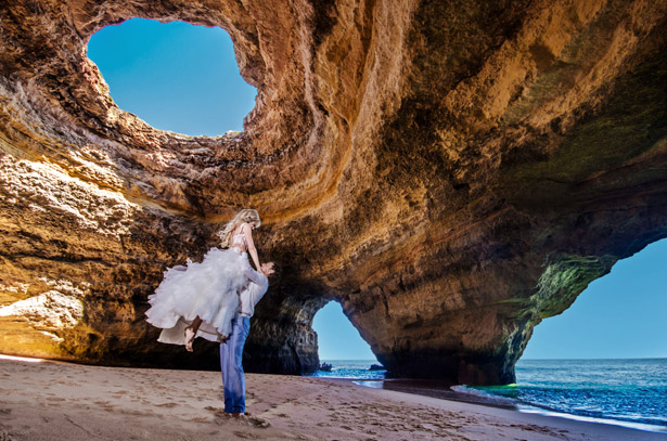 Newlyweds' island photos
