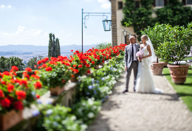 The bride and groom's photo shoot in Tuscany
