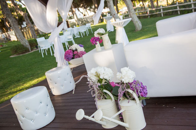 White and pink reception decor at The Sheraton Hotel, Algarve
