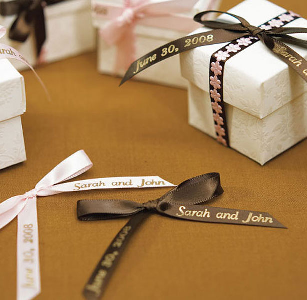 DIY Personalised Bows for Favours