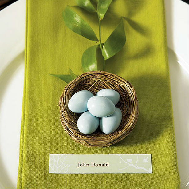 Mini birds nest favours with Easter eggs in the Confetti Shop