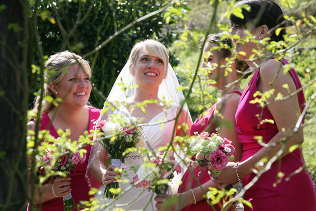Bride and the bridesmaids garden photo shoot| Ava Images | Confetti.co.uk