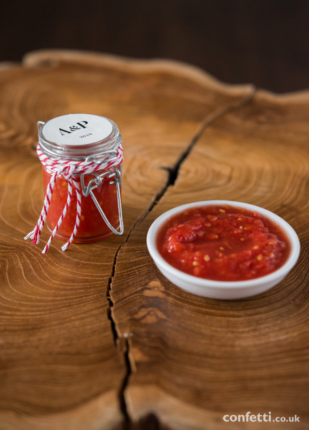 Rustic salsa pots as wedding favours from Confetti.co.uk