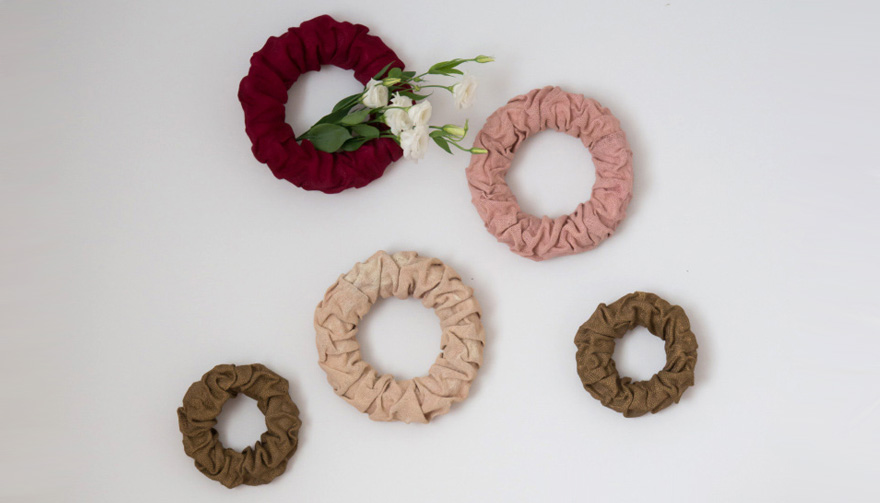 DIY Colourful Burlap Wreaths Thumbnail | Confetti.co.uk