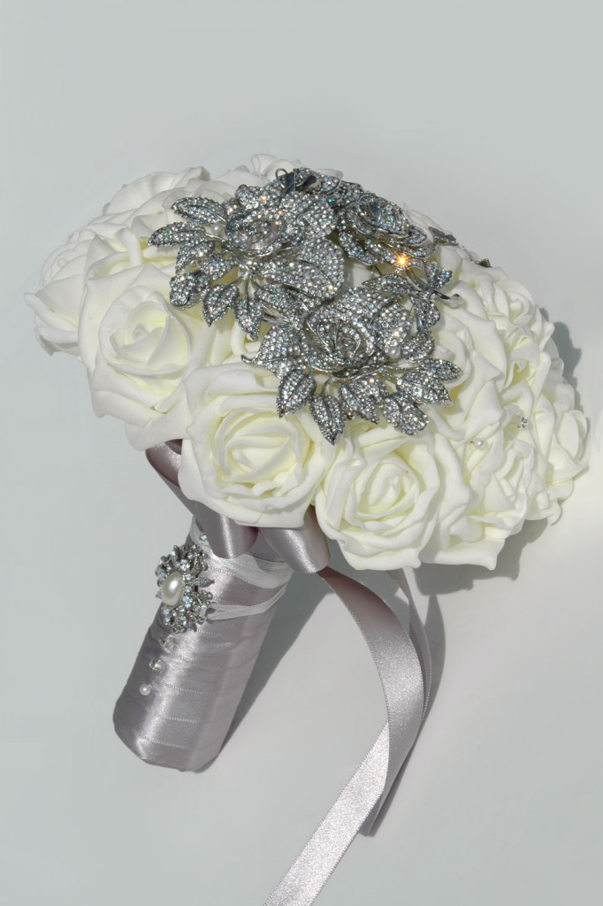 Daina, an ivory rose brooch bouquet from Silk Blooms | Confetti.co.uk