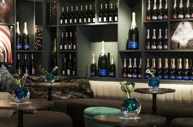 Volataire champagne bar