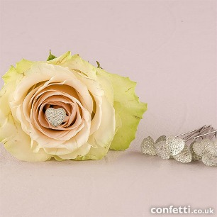 Clear sparkle heart on needle for bouquet at Confetti