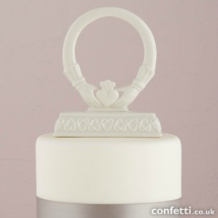 Claddagh ring cake topper