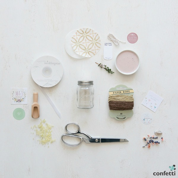 DIY Mini Mason Jar Favours | Confetti.co.uk