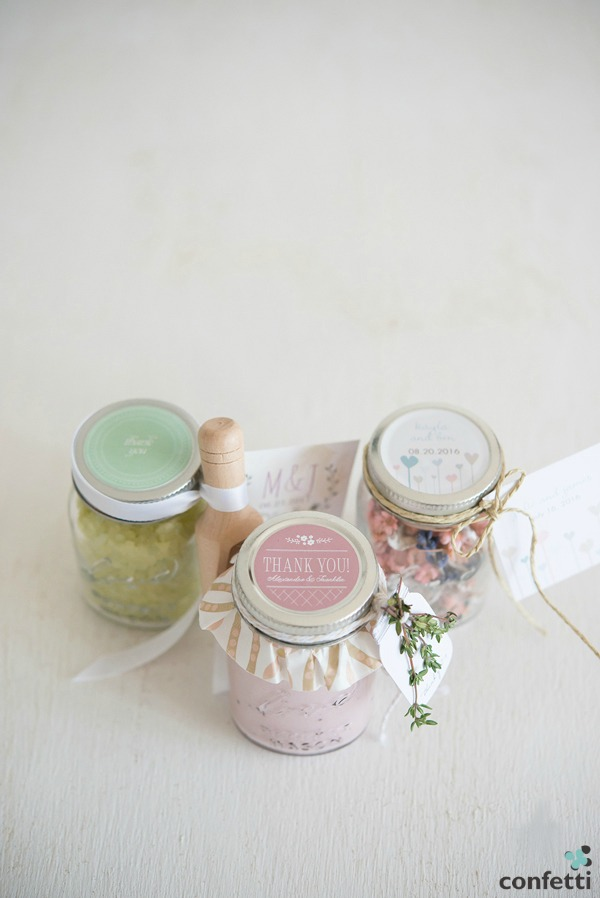 Mini Mason Jar Favour Ideas | Confetti.co.uk