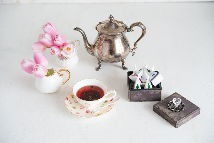 Vintage Tea and Tea Pot | Confetti.co.uk