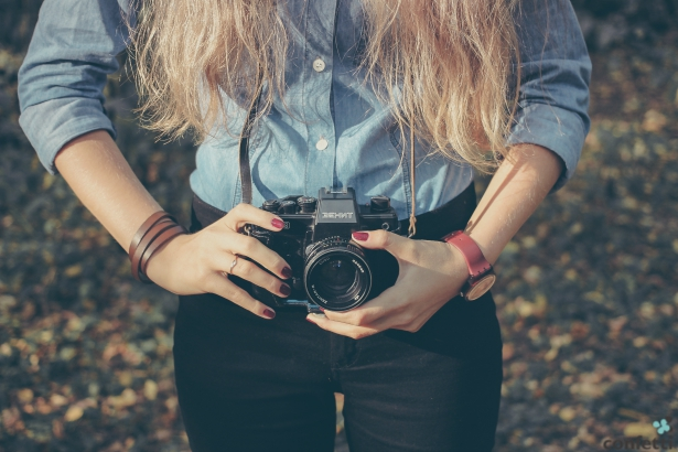Save money on your wedding by hiring an amateur photographer.