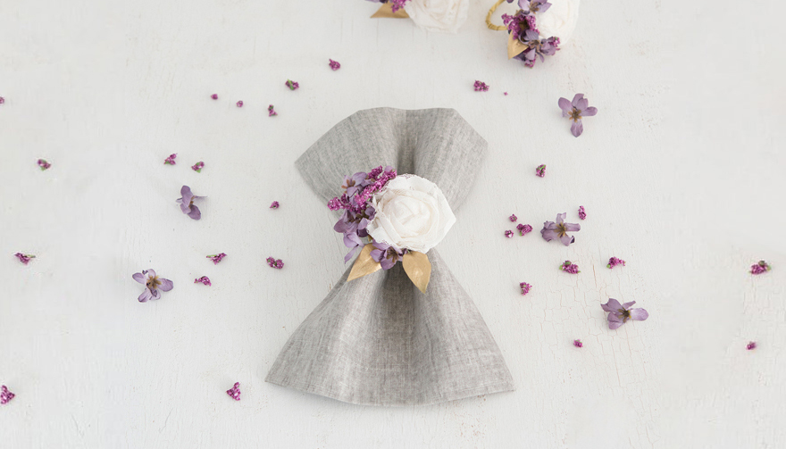 DIY Lace Flower Napkin Ring Thumbnail | Confetti.co.uk
