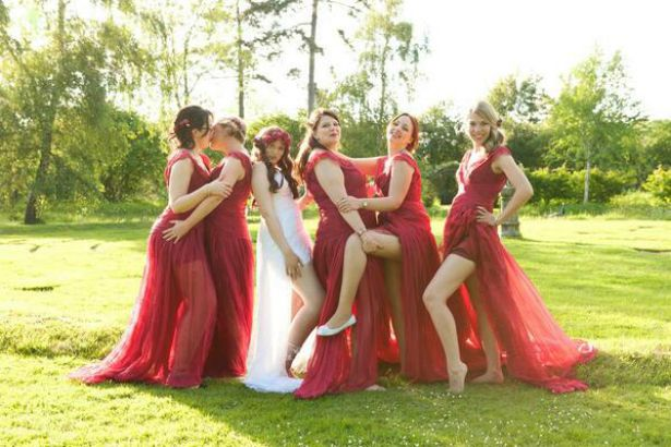 Kissing bridesmaids by Halo and Hobby at Fabulous Wedding Photography | Confetti.co.uk