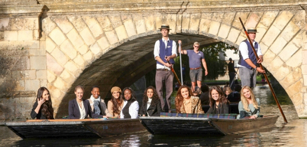 Champagne punting hen party idea from Confetti.co.uk