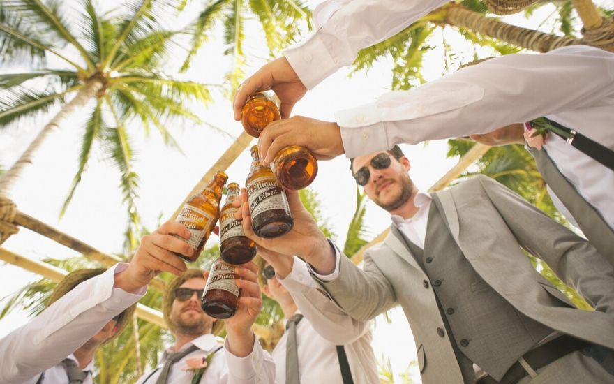 Wedding Toasts: Examples and Everything You Need to Know