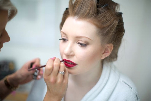 Hair and make up by Camilla J Collins | Confetti.co.uk