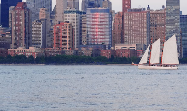 Sailing with Champagne in New York