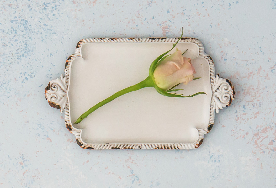 Antique White Miniature Metal Ring Tray - Alternative Wedding Ring Box Ideas | Confetti.co.uk