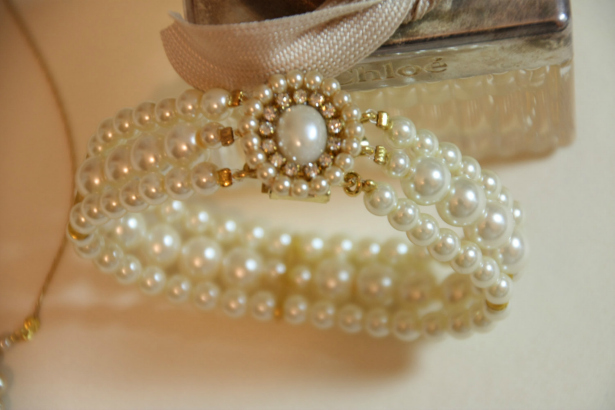 Pearl Vintage Wedding Accessories Bracelet | Confetti.co.uk