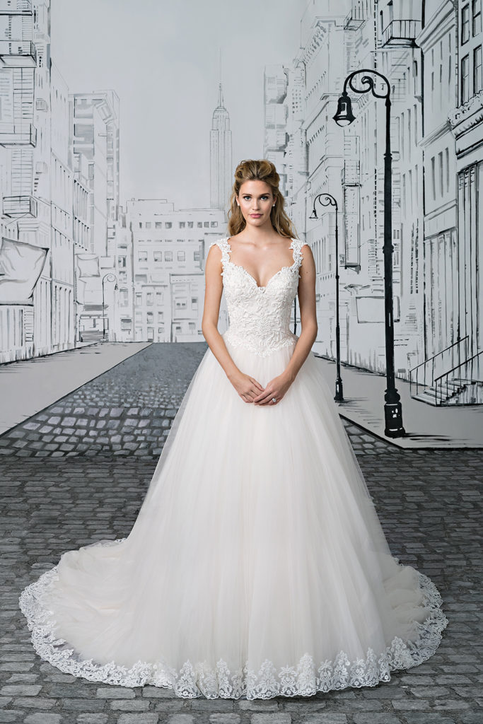 Lace and Tulle Skirt by Justin Alexander Style 8892 | Confetti.co.uk