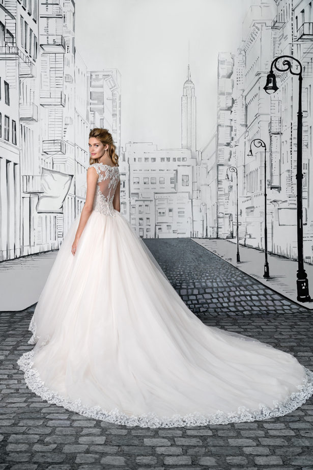 justin_alexander_wedding_dresses_spring_summer_2017_collection_style_8892_fb