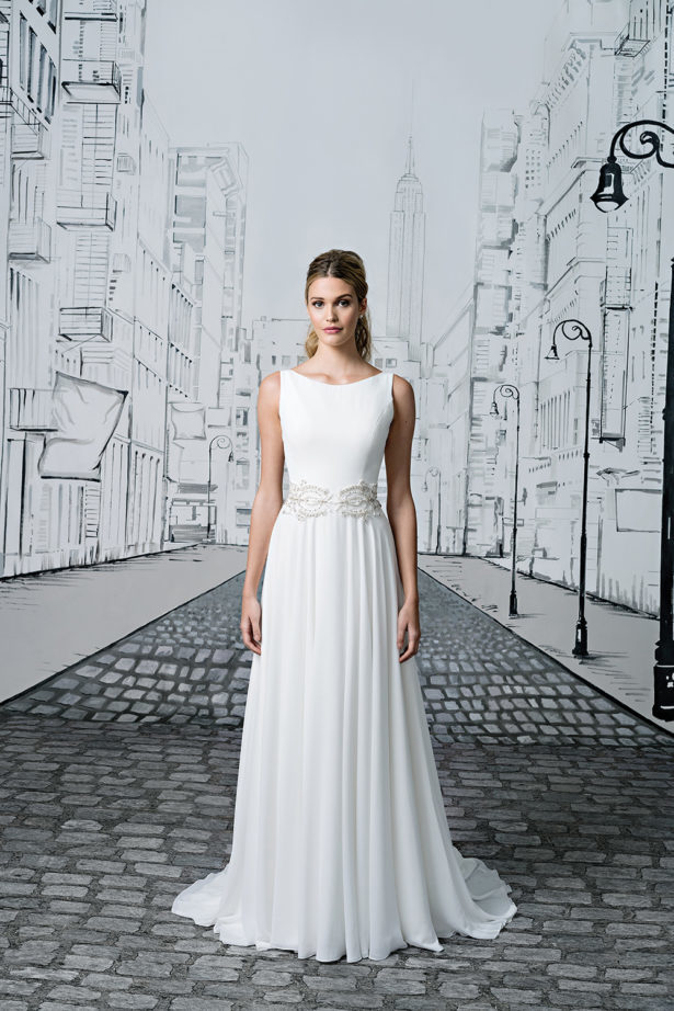 1920s Inspired Gown by Justin Alexander Style 8894 | Confetti.co.uk