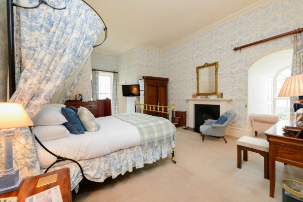Luxury bedrooms at Ackergill Tower | Confetti.co.uk