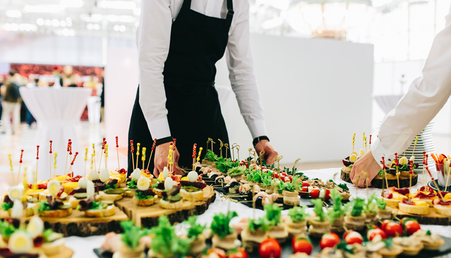 Deliveroo's New Wedding Catering Service - Wedding Catering -- Wedding Food with Waiter | Confetti.co.uk
