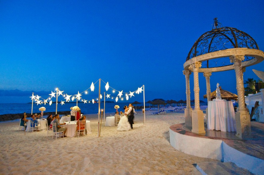 Luxury weddings abroad in The Bahamas | Confetti.co.uk