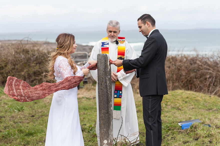 Celtic Sundial Wedding Ceremony - Alternative Unity Ceremony Ideas - Madison & John's Celtic Ceremony on the Aran Islands by Mrs RedHead Photography Ireland | Confetti.co.uk