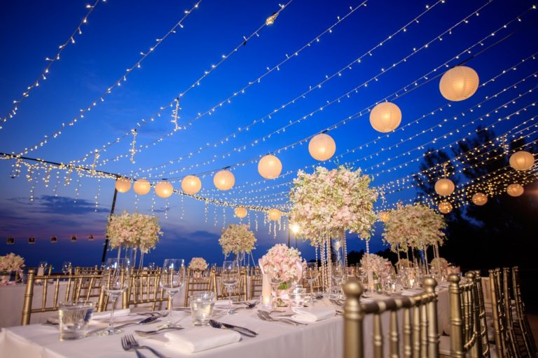 Outdoor Wedding Breakfast with Dream Day Wedding Planners | Confetti.co.uk