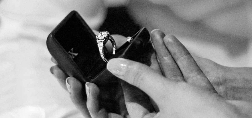 How to choose an engagement ring by ROX | Confetti.co.uk