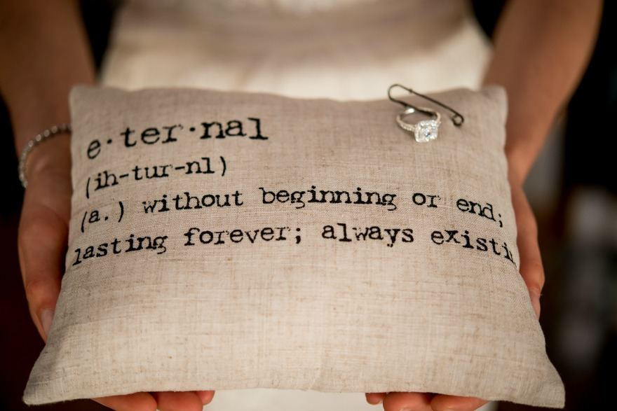 Natural linen ring cushion for Wedding celebrant ceremonies | Confetti.co.uk
