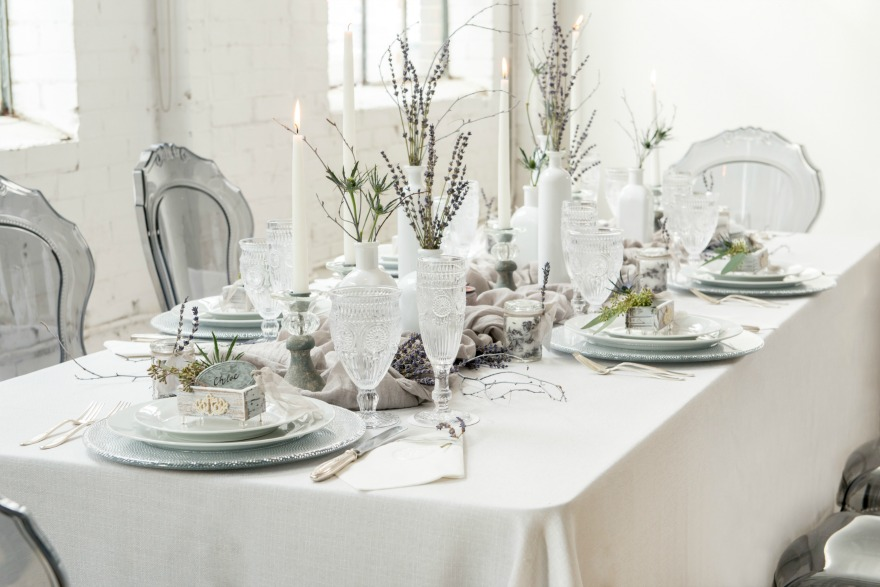Winter wedding table decorations | Confetti.co.uk