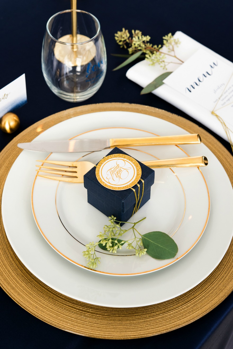 Winter table in navy and gold | Confetti.co.uk