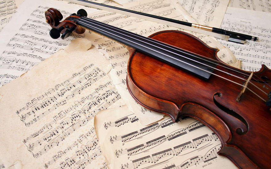 Iyanna Monique Solo Violinist for Weddings - Violin and Sheet Music | Confetti.co.uk