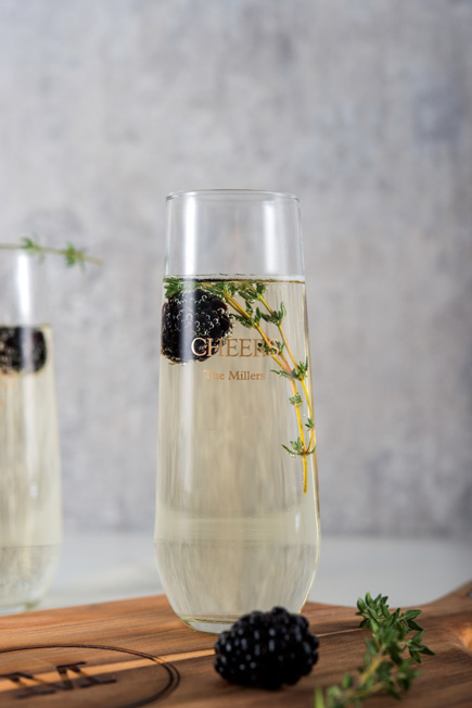 Winter Berries Personalised Stemless Glass Champagne Flutes | Confetti.co.uk
