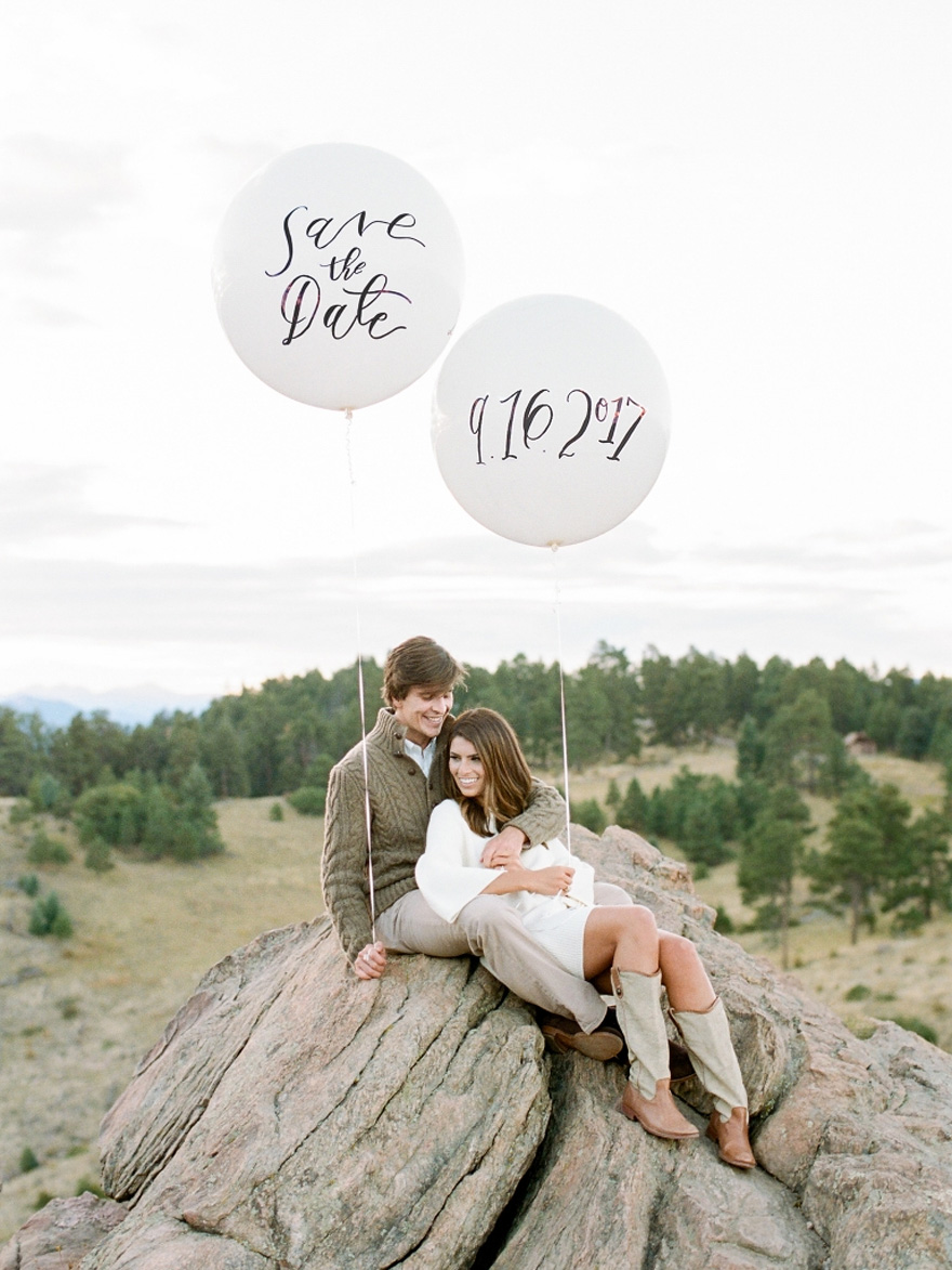 Save the Date Balloons - Fall Mountain Engagement - Colorado - by Rachel Havel | Confetti.co.uk