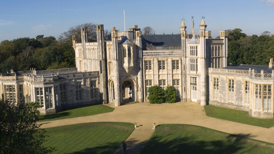 Romantic and Picturesque Grade 1 Listed Highcliffe Castle in Dorset - Summer Castle Wedding | Confetti.co.uk