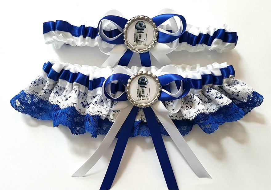 Star Wars Blue and White R2D2 Satin and Lace Garter Set by scarboroughrose on Etsy | Confetti.co.uk