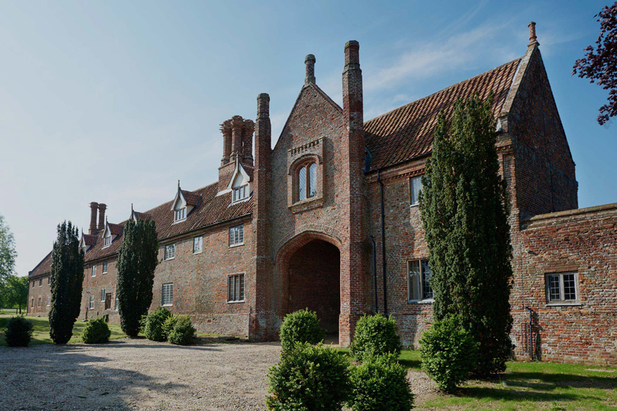 Hales Hall and Great Barn in Norfolk - Luxury Wedding Venue by the Norfolk Broads National Park | Confetti.co.uk