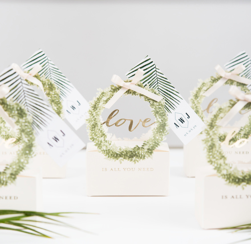 Love Wreath Favour Box with Ribbon - Beautiful and Unique Wedding Favour Box Ideas | Confetti.co.uk