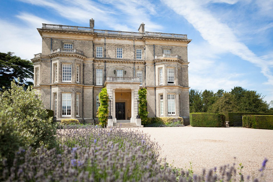 Spectacular Hedsor House Exterior - Exclusive Country House Wedding Venue and Retreat in Buckinghamshire - Photo by Martin Price Photography | Confetti.co.uk