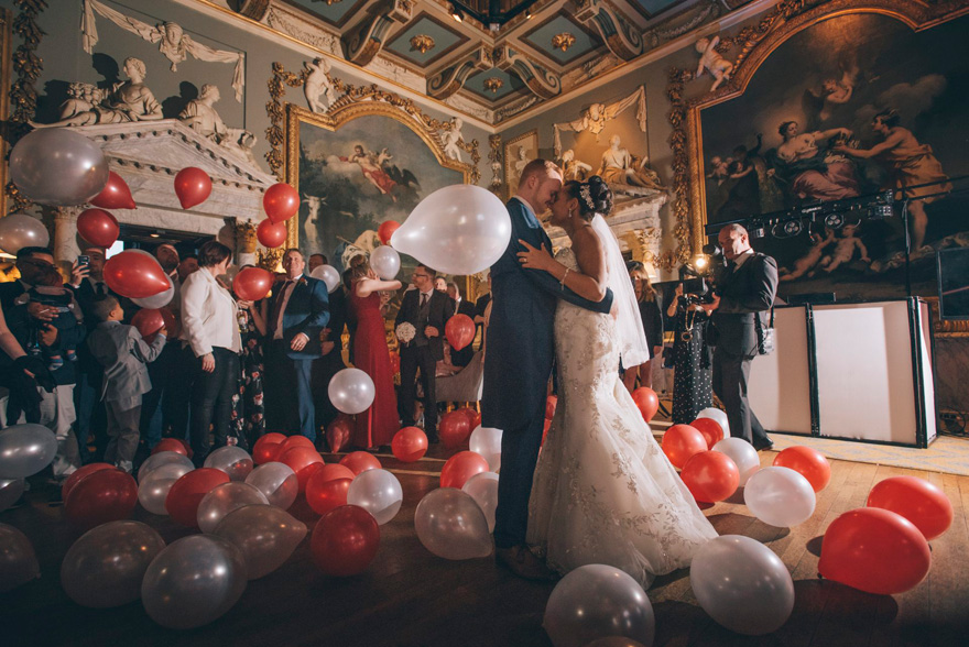 Wedding Reception First Dance Balloon Drop/Balloon Fall by Emma-Jane Photography | Confetti.co.uk